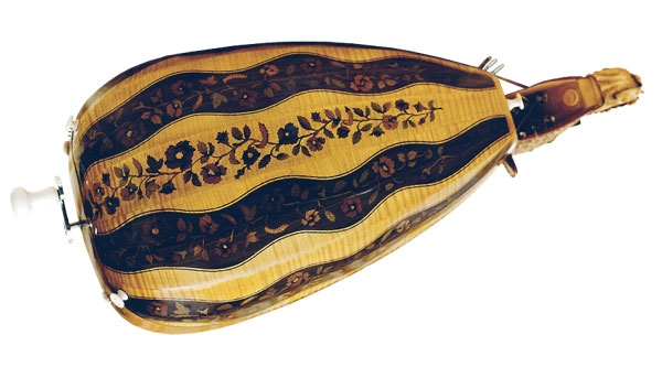 caisse de vielle à roue décor 3